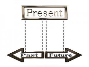 På kursus med regressionsterapi arbejdes med fortid, nutid og fremtid